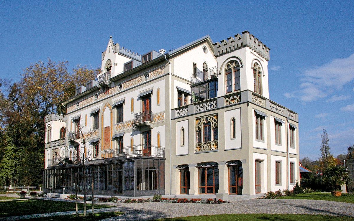 gro fl chige orangerie in der villa leuchtenberg lindau. Black Bedroom Furniture Sets. Home Design Ideas