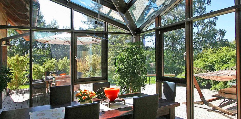 wintergartenanbau an hausinneneck schubert winterg rten. Black Bedroom Furniture Sets. Home Design Ideas