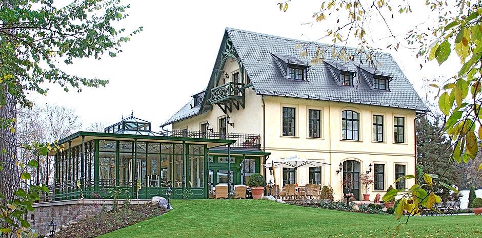 jagdhaus mit orangerie in goslar im harz. Black Bedroom Furniture Sets. Home Design Ideas